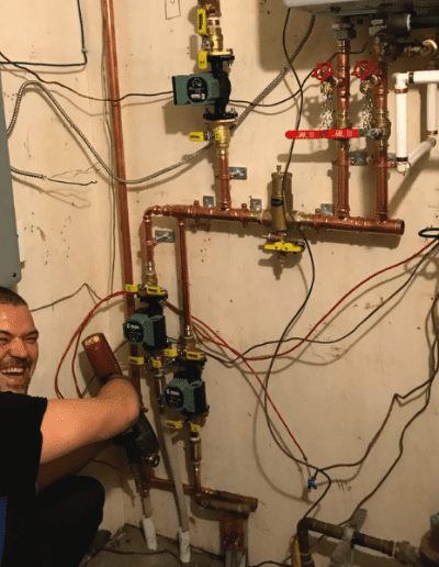 aquality-plumbing-and-heating-team-at-work-400x516 Aquality Experience